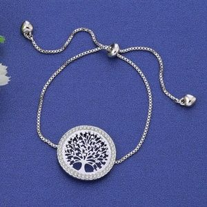 Jewelry - NWT Silver Tone Round Family Tree Of Life Bracelet